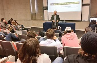Director de Cine UDD presentó la carrera a alumnos de Bachillerato