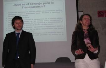 Presentan Ley de Transparencia a alumnos de Periodismo