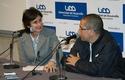 Loreto Daza, directora de Periodismo junto al entrevistado