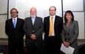 Ernesto Silva, Rector de la UDD, junto a los panelistas y Carolina Mardones