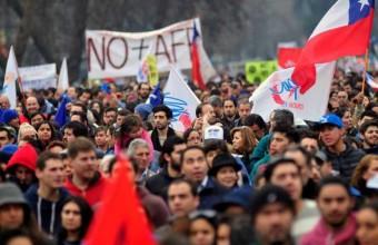 Chilescopio 2016: Chilenos impacientes por un cambio