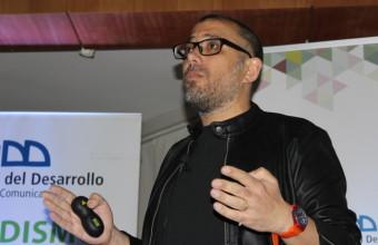 Manu Chatlani expone en el V Seminario de Redes Sociales en Concepción