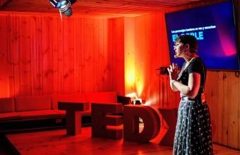"Destacados expositores en TEDxUDD Salón ""La Belleza de Crear"""