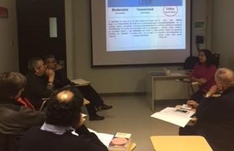 Profesores de la Facultad de Comunicaciones se capacitan en estrategias de lectura crítica