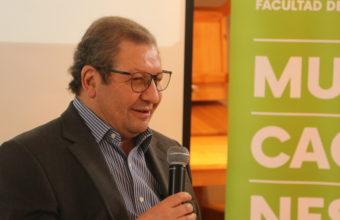 """Ascanio Cavallo fue el protagonista del conversatorio """"Medios de comunicación y política"""""""