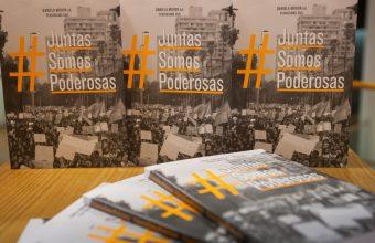 Periodismo UDD presentó el libro #JuntasSomosPoderosas
