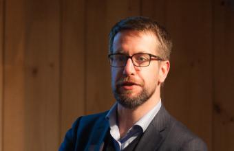 Alberto López-Hermida gana concurso Interfacultades para investigación académica sobre propaganda electoral