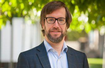 Alberto López-Hermida dicta clases en Universidad Panamericana de México