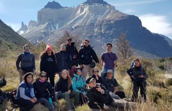Lab en Torres del Paine: alumnos de la Facultad de Comunicaciones trabajan en proyecto de inclusión universal