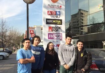 Alumnos de tercer año visitan medios de comunicación en Santiago
