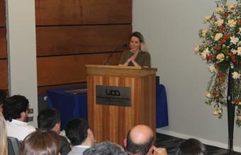 Egresada de Periodismo UDD obtiene Premio Espíritu Emprendedor