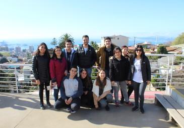 Alumnos de 3° año visitan medios de comunicación