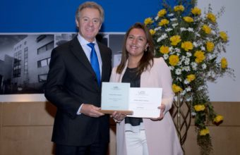 Pamela Rivero es distinguida como profesora de excelencia de Periodismo