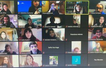 Primera jornada vocacional #UDDentucasa reunió a jóvenes de todo Chile