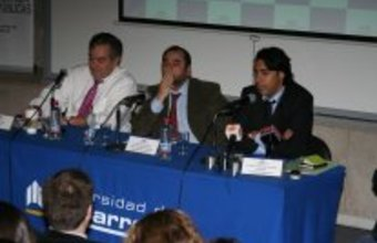 Enríquez-Ominami debate con Darío Paya