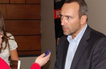 Mauricio Hofmann visitó la Escuela de Periodismo en Concepción