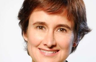 Directora de Periodismo UDD elegirá ganador de Premio Embotelladora Andina