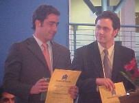 En su titulación, junto a su hermano Alejandro, reportero de Chilevisión Noticias.