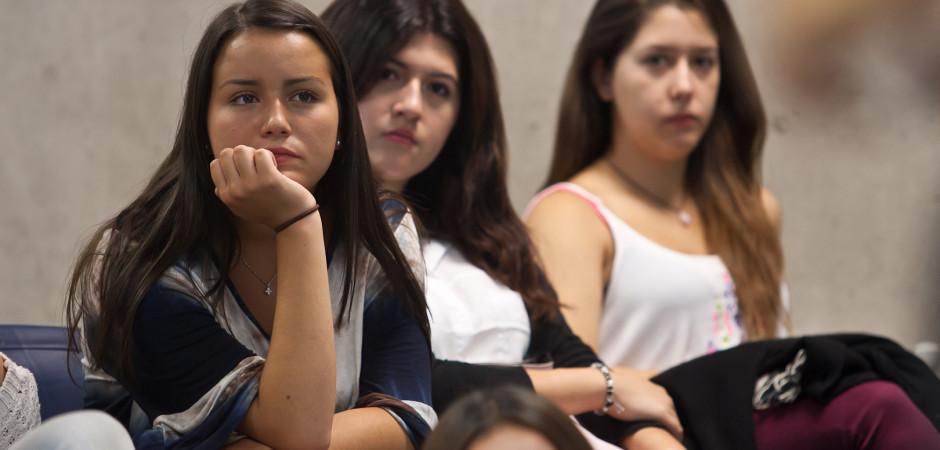 Registro Fotográfico  recepción de los alumnos de 1er año. a las carreras de Cine, Periodismo y Publicidad. En Santiago: 01/04/2015. Fotógrafo Valentino Saldivar.