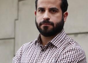 Periodista de Canal 13 Patricio Nunes comparte con alumnos su experiencia en Venezuela