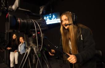 Jóvenes podrán vivir el periodismo en los estudios de Radio y TV HD