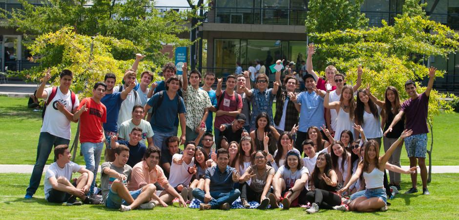 Registro Fotográfico primer día de clases para los alumnos de las Facultades de Cine, Periodismo y Publicidad de la Facultad UDD. En Santiago: 01/032017. Fotógrafo Valentino Saldivar