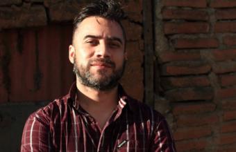 Escritor Daniel Hidalgo será el invitado de Charla para periodistas UDD