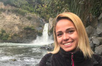 Camila Holguín: alumna de Periodismo ganó concurso de innovación UHack