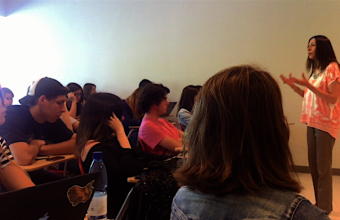 Maribel Vidal dictó charla en ramo de Ética de Publicidad UDD