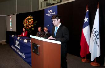 El aplaudido discurso de titulación de Rodrigo Pérez