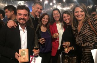Claudio Venegas recibió el premio Profesor de Excelencia 2018 de Publicidad UDD